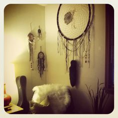 Best description of how to make a dream catcher that I have been able to find! :)