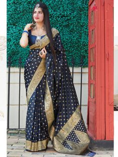 Blue Colored Beautiful Weaving Pure Silk Saree | ₹3,550.00 | Visit Now : www.grabandpack.com | Contact us/ Whats app us on +919898133588, +917990485004 | Ship to All major Counties Like USA , Maurtius , Malaysia , Saudi Arabia , West Indies , Australia , Bangladesh , South Africa ,U.K , Canada ,Singapore , UAE etc. To Buy this Beautiful saree At Best Price | Design : RC004