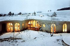 earth ships, ecologic houses from the architect Peter Vetch