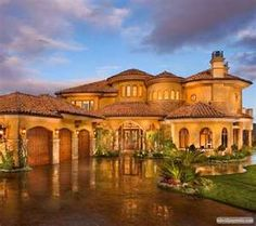 TUSCAN.... Love this style of house <3