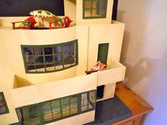 Art Deco Triang no. 53 UltraModern Dollshouse 1935