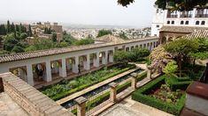 Spanien – Wie viele Eindrücke passen in 24 Stunden? Wie viele Eindrücke passen in 24 Stunden? Wir wollen früh aufstehen, ab 6 Uhr kann man anstehen für Alhambra Tickets. Halb 10 werden wir wach. Uns...  #Alhambra #Areal #Ausschlafen #Brunnen #Erfahrungen #Espresso #Europa #Gärten #Gelateria #Generalife #Glück #Granada #Hochsaison #Hop-on-Hop-off #Hostelleben #Küste #lowbudget... Granada, Mansions, House Styles, Espresso, Home Decor, Europe, Getting Up Early, Spain, Water Well