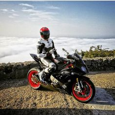 Motorcycles, bikers and Yamaha R1, Ducati, Super Bikes, Biker, Motorcycle Suit, Bmw S1000rr, Dirtbikes, Cars And Motorcycles, Motorbikes