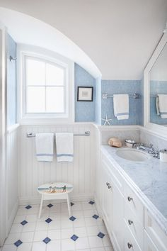 Cottage Beach Bathroom Designs! Get inspiration for your next bathroom beach decor project.