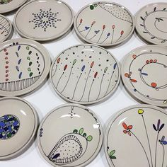 🎉 @emilyfreewilson 🎉 Painted Ceramic Plates, Ceramic Clay, Clay Art Projects, Clay Crafts, Pottery Painting, Ceramic Painting, Pottery Plates, Ceramic Pottery, Sharpie Art
