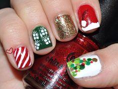 30+ Beautiful Christmas Nail Art designs   EntertainmentMesh