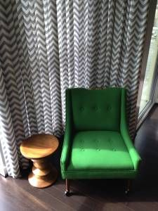 Bon MidCentury Modern Side Chair Upholstered In Kelly Green Fabric. $150
