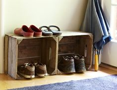 entryway shoe storage ideas – oo I like this one too - Tours. Old Wooden Crates, Pallet Crates, Entryway Shoe Storage, Entryway Ideas, Entryway Decor, Entryway Bench, Plastic Milk Crates, Crate Bench, Home Made Simple