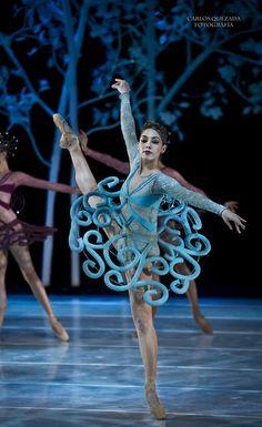 Carlos Quezada Fotografía www.theworlddances.com/ #costumes #dance