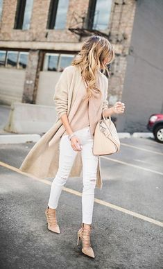 Nude Palette Outfit With Ripped Jeans 2017 Street Style