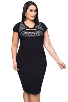 Flaunt it girl, because you've got it! This curve-hugging plus size dress is serving up the hotness with a cut-out detail and eye-catching foil print. HerFashion Curvaceous Stud Cutout Bodycon Dress f