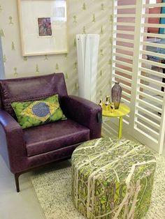 Almofada Pufe e Pintura do Simone Monteiro para o #studionoblesavage   Cushion, Ottoman and Painting By Simone Monteiro to #studionoblesavage Instagram
