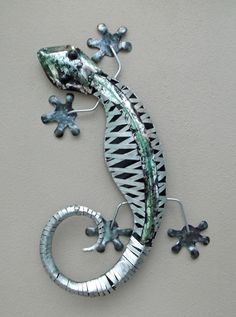 Unusual Stripped Metal Wall Gecko Ornament 60cm - Hand Made Wall Lizard ornament in Home, Furniture & DIY, Home Decor, Wall Hangings | eBay