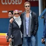 Chris Hemsworth Photos - Chris Hemsworth and wife Elsa Pataky shopping for a suit at Calvin Klein in Midtown. - Chris Hemsworth and Elsa Pataky in Midtown Elsa Pataky, Chris Hemsworth, Studded Boots, Studded Leather, Leather Boots, Australian Actors, Ag Jeans, Denim Fashion, Calvin Klein