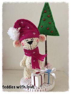 www.facebook.com/Teddieswithlove Crochet Teddy, Crochet Christmas, Elf, Facebook, Christmas Ornaments, Holiday Decor, Inspiration, Home Decor, Christmas
