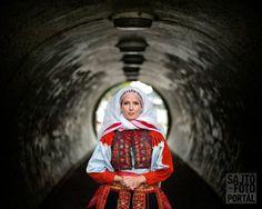 Hungarian Dance, Hungarian Embroidery, Fair Isle Pattern, Folk Dance, Folk Costume, Folklore, Budapest, Embroidery Patterns, Hungary