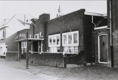 De Brug in de Molenstraat een onderdeel van het toenmalige gemeentehuis op de hoek Molenstraat Oude kerkstraat