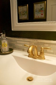 How to spray paint your Faucet Correctly - Painted Furniture Ideas - - It is easier than it looks, but does require some knowledge. Learn how to spray paint your faucet a face lift by repainting it the correct way! Best Gold Spray Paint, Metallic Gold Spray Paint, Copper Spray Paint, Spray Paint Colors, Diy Spray Paint, Spray Painting Wood Furniture, Painted Furniture, Furniture Ideas, Spray Painting Metal