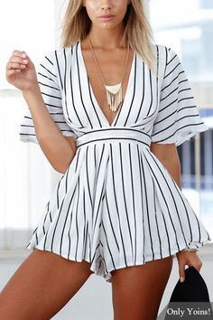 Cute Summer Outfits Ideas For Hot Holiday In 201905 Cute Summer Outfits, Trendy Outfits, Fashion Outfits, Summer Dresses, Autumn Fashion Curvy, White Playsuit, Playsuit Romper, Jumpsuit, Mode Style