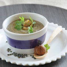 Découvrez la recette Velouté de lentilles aux châtaignes sur cuisineactuelle.fr.