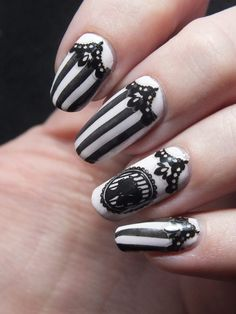 "Today I'll be showing you how to recreate my Sunmi ""Noir"" inspired design. Start off by painting all of your nails with a sheer polish. Ongles baroques en noir et blanc nail art by Tribulons # Nail Art Designs, Black Nail Designs, Pretty Nail Designs, Black Nail Art, Black Nails, White Nails, Ongles Goth, Nail Art Dentelle, Steampunk Nails"