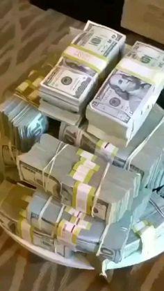 How To Get Money, Make Money Online, Money Pictures, Pics Of Money, Money And Happiness, Money Girl, Money On My Mind, Dollar Money, Money Stacks