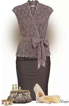 Gorgeous fancy outfit. I really like the accent the bow adds to the whole outfit.