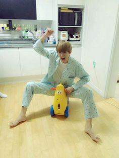 aishh this kid! Jooheon, Astro Sanha, Astro Wallpaper, Fandom Kpop, Kpop Couples, Shared Folder, Cha Eun Woo, Ulzzang Boy, Cute Gay