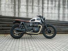 """Racing Cafè: Triumph """"Gilda"""" by Magnoni Moto"""