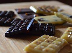 Raw-vegan  artizan black & white chocolates.  Organic, fair-trade, made in small batches. Enriched with Superfoods such as: Maca, Goji, Incan Berries, Dong Quai, Camu camu, Acai, Passiflora/Passionfruit, Baobab.  It's sugar-free & dairy-free. Raw Vegan Desserts, Superfoods, Fair Trade, White Chocolate, Chocolates, Sugar Free, Dairy Free, Waffles, Berries
