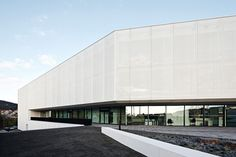 Fritz-Lipmann-Institute, Jena – translucent facade made ​​of PTFE glass mesh fabric - - Temme Obermeier | Experts for Membrane Building
