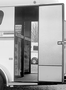 horse trailers on pinterest horse trailers trailers and rigs
