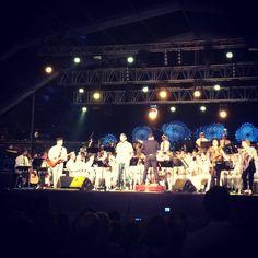 Está tudo preparado para o incrível concerto da Orquestra 12 de Abril c/ Luís Portugal  Já só faltam vocês. Até já... #agitagueda #agitagueda2014 #agueda #jasofaltastu #music #concerts #umbrellas #streetart #umbrellaskyproject #agueda #cmagueda #media #arteurbana #chapéus #céu #música #arteurbana