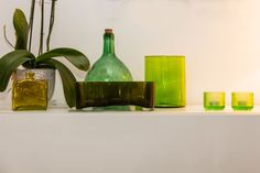 Vihreä väri sisustuksessa - MindyJBlog Vase, Bottle, Design, Home Decor, Decoration Home, Room Decor, Flask, Vases