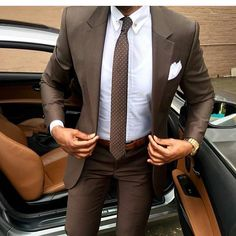 What do you think of this colour suit