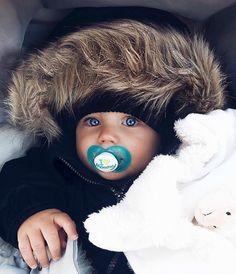Sweet dreams everyone baby winterjacke, baby kind, lil baby, Cute Little Baby, Baby Kind, Little Babies, Cute Babies, Lil Baby, Beautiful Children, Beautiful Babies, Baby Boy Fashion, Kids Fashion