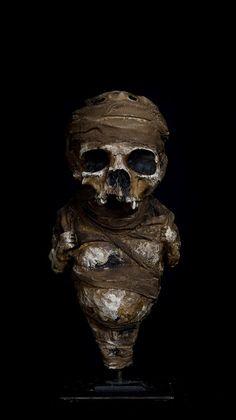 Yoann penard Assemblage Art, Contemporary Artists, Sculptures, Skull, Inspirational, Sculpture, Skulls, Sugar Skull
