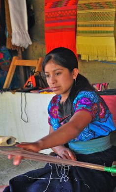 Lots of resources for studying Mayan culture for kids from Vamos a Leer.