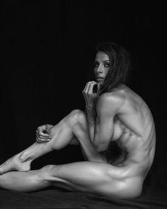IRENE: Fitness models nude art