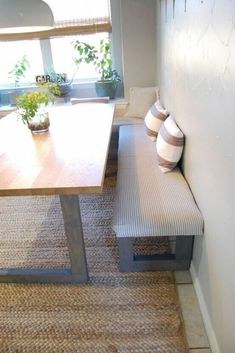 My New Favorite Way to Paint Kitchen Cabinets Do you have an open floor kitchen but wish you have a breakfast nook? Check out this DIY small corner breakfast dining nook idea without needing built ins. Kitchen Banquette, Kitchen Benches, Kitchen Nook, Corner Dining Nook, Open Kitchen, Kitchen Ideas, Dining Room, Kitchen Small, Diy Kitchen