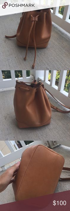 Madewell Lafayette bucket bag Good condition, some denim marking on back, a few scratches Madewell Bags
