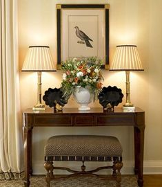 Entryway Console Table, Entry Tables, Entryway Decor, Console Tables, Entryway Ideas, Traditional Interior, Traditional House, Foyer Decorating, Decorating Ideas