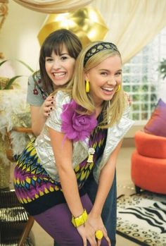 Demi Lovato & Tiffany Thornton / Sonny with a Chance