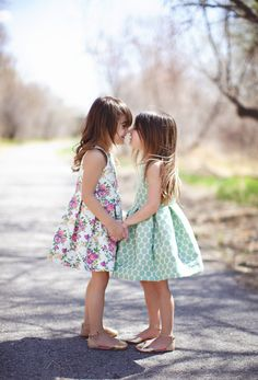 OH MY WORD!! How cute are these Spring dresses?!! Make this Look: the Blake Dress #sewing with @alexiasotelo
