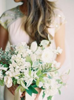 White bouquet: http://www.stylemepretty.com/2012/08/16/parisian-wedding-from-rylee-hitchner-photography/ | Photography: Rylee Hitchner Photography - http://ryleehitchnerblog.com/