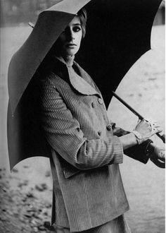 Jill Kennington, 1967    Photo by Traeger for Vogue UK