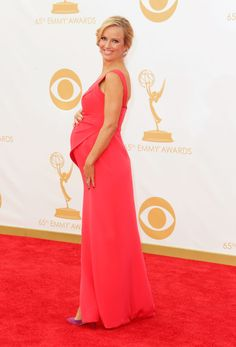 Brooke Anderson looking chic at the Emmy 2013s #bumpychic