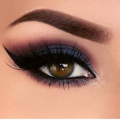 Eye😍 - - - #contorno #ciliosposticos #cosmeticos #contornofacial #makeupbyme #dicas #magicmakeup #pelebonita #makeclassica #makeupworld #loucasporbatom #saopaulo #brasil  #cute #photooftheday #picoftheday #vida #selfie #photo  #instafashion #instagram #paz