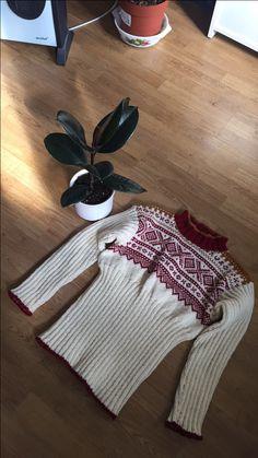 Min ribbestrikket Marius genser 😊selvsagt strikket den selv .