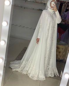 Muslimah Wedding Dress, Disney Wedding Dresses, Pakistani Wedding Dresses, Princess Wedding Dresses, Hijab Bride, Wedding Hijab, Gold Wedding, Little Girl Wedding Dresses, Wedding Dresses Plus Size